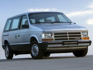 Chrysler_Voyager_Minivan_1987